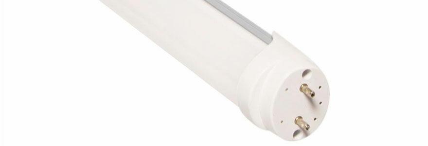 vue d'un tube néon LED d'une longueur de 120 centimètres